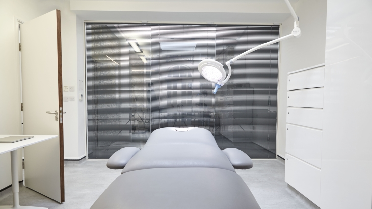 Harley Street Hair Clinic - Procedure room 1